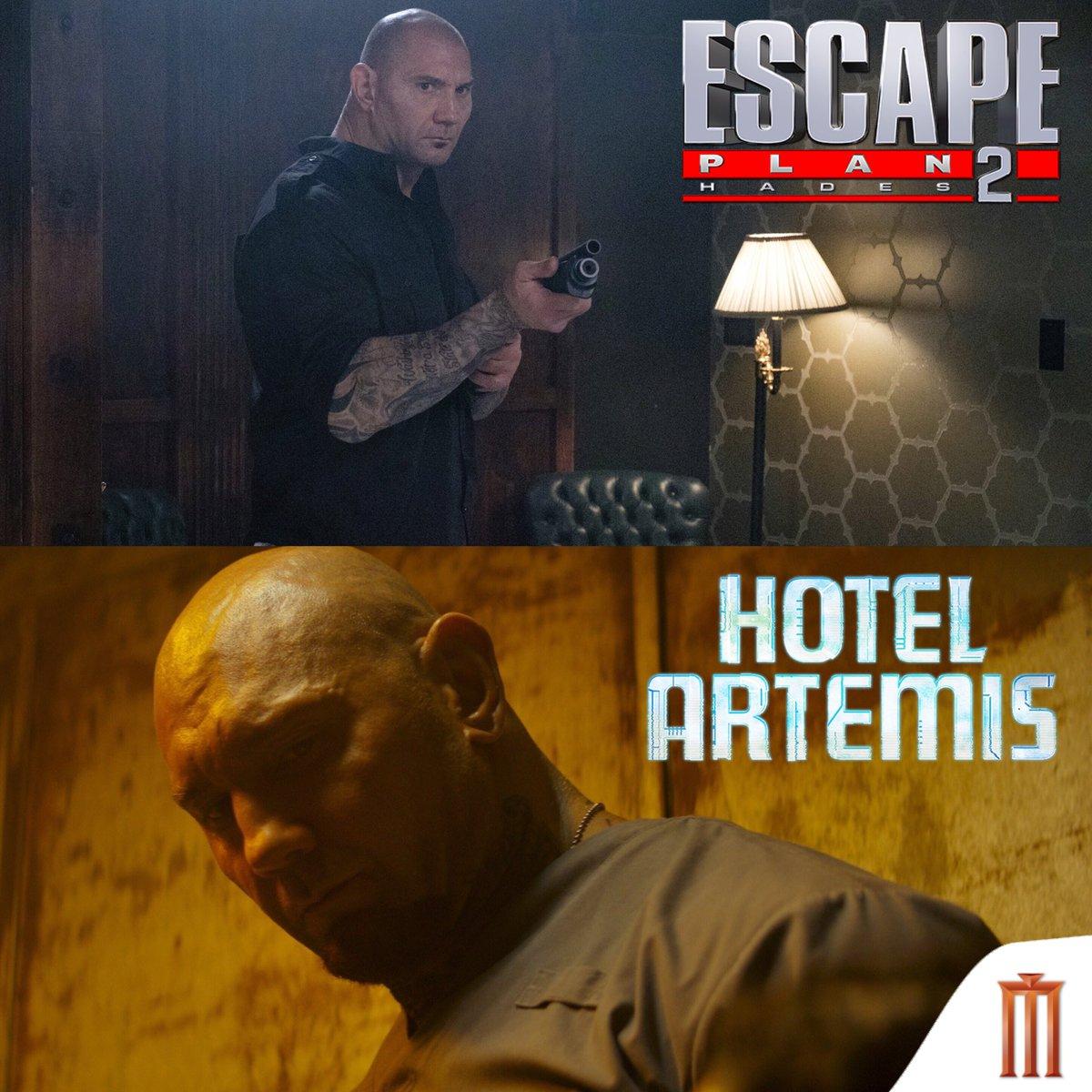 """ถึงหลายคนจะมองไม่เห็นเค้า แต่ตอนนี้มีหนังที่ """"เดฟ บาติสต้า"""" เล่นสองเรื่อง #EscapePlan2 """"แหกคุกมหาประลัย 2"""" และ #HotelArtemis """"โรงแรมโคตรมหาโจร"""" วันนี้ในโรงภาพยนตร์"""