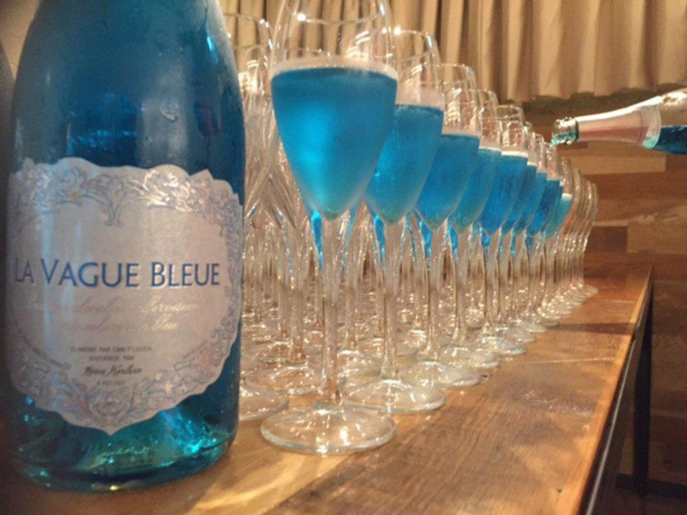 街中がフェス会場!世界のスパークリングワイン100種を楽しむ街フェスが、東京中心約400店で - https://t.co/QqHFEU9XIM