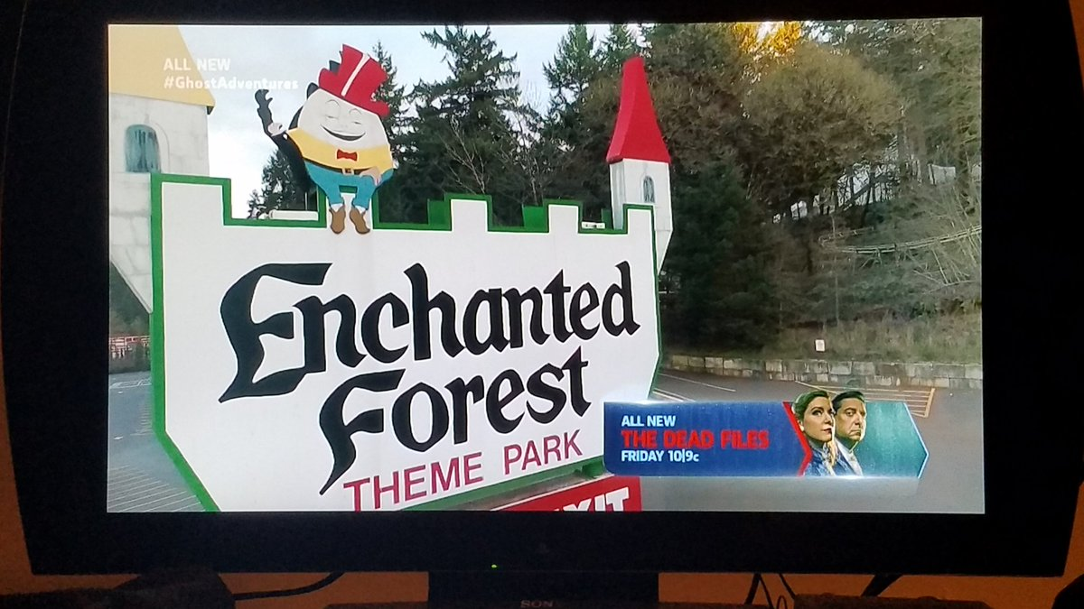 Watching my favorite Theme Park on @GhostAdventures right now! I LOVE The @EnchantdForst! #GhostAdventures @travelchannel @AaronGoodwin @Zak_Bagans @BillyTolley @jaywasley<br>http://pic.twitter.com/VACSE7ktVW