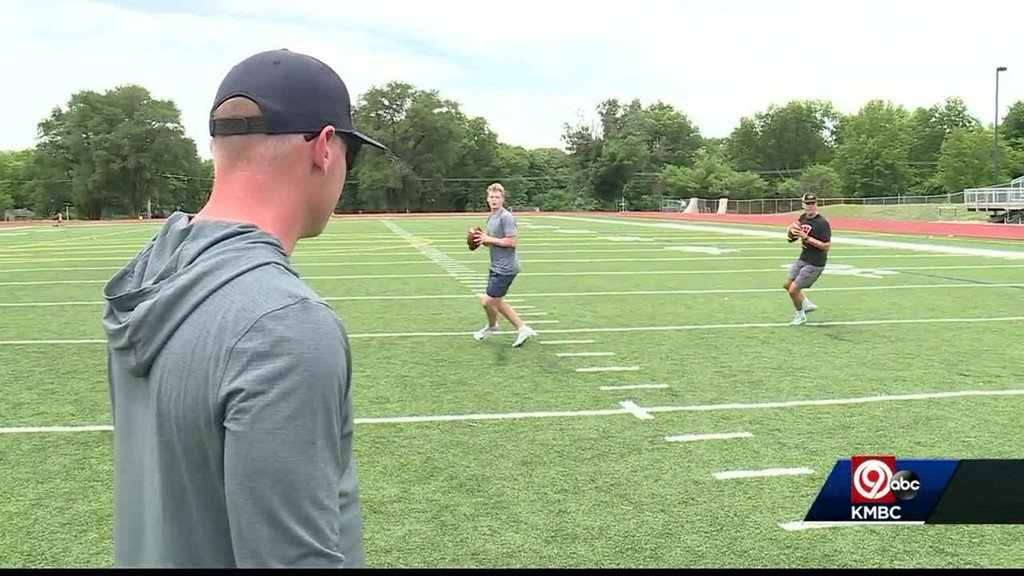 Coach has reputation for developing young quarterbacks https://t.co/oMeQ1qpyIS