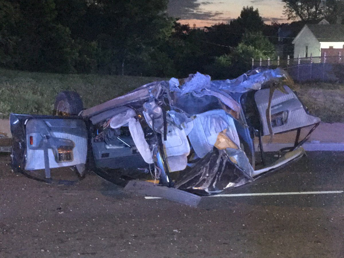 Dayton daily news daytondailynews twitter update car splits in half at dayton intersection auto accident fandeluxe Choice Image