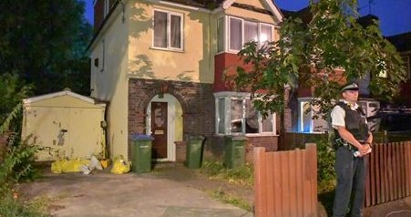 Man arrested after woman found stabbed to death in back garden of house in London https://t.co/sawMTG6F0z