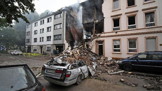 German explosion: 25 hurt, 4 seriously, in Wuppertal blast https://t.co/9bnMYLD5Ir