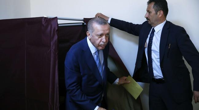 Elections en Turquie: Une délégation communiste avec la sénatrice Christine Prunaud arrêtée https://t.co/WFrwYJw54g