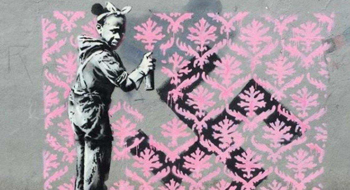 Six nouvelles œuvres de Banksy découvertes à Paris ! https://t.co/5kq4lMBe8V