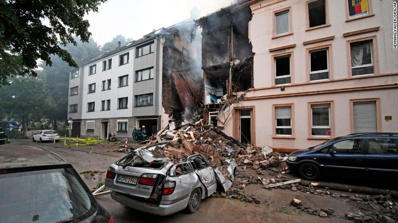 At least five people were injured when an explosion, followed by a fire, tore through an apartment building in Germany https://t.co/U3vpN2Hzxu