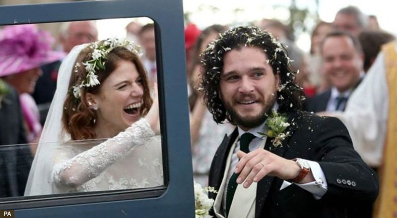 ❤️💍 Game of Thrones stars, Rose Leslie and Kit Harington have tied the knot at a ceremony in Aberdeenshire. 👉https://t.co/yMenscQaXf