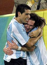 Gabriel Batistuta's photo on #Riquelme