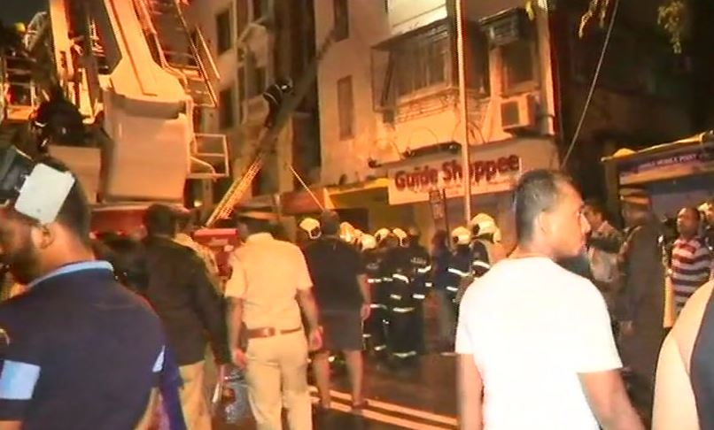 #Maharashtra: One dead in a fire that broke out at Girgaon's Kothari House building in Mumbai. The fire has been doused now and the search operation underway.