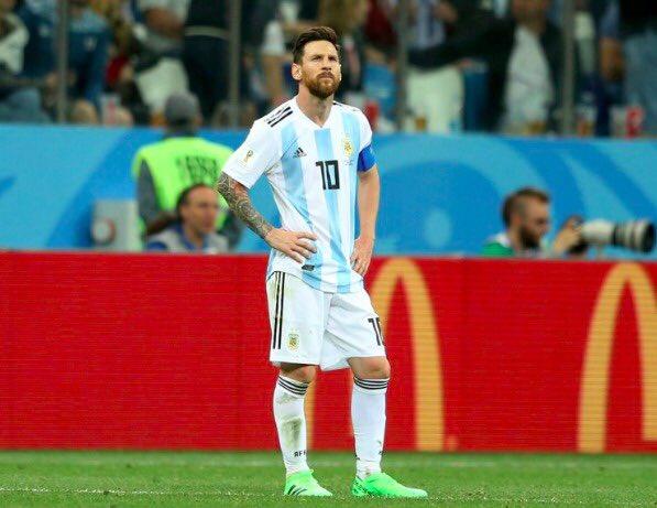 #WorldCup Scorers: 🏴 Kane: 5 🇵🇹 Ronaldo: 4 🇧🇪 Lukaku: 4 🇪🇸 Costa: 3 🇷🇺 Cheryshev: 3 🇧🇪 Hazard 2 🇭🇷 Modric: 2 🇧🇷 Coutinho: 2 🇫🇷 Griezmann: 1 🇧🇷 Neymar: 1 🇦🇷 Aguero: 1 🇺🇾 Suarez: 1 🇪🇬 Salah: 1 🇲🇽 Hernandez: 1 🇨🇴 Falcao: 1 🇦🇷 Messi: 0 Foto