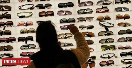 #ArquivoBBC Como desconhecida empresa italiana controla mercado global de óculos escuros https://t.co/FJLilypOb0