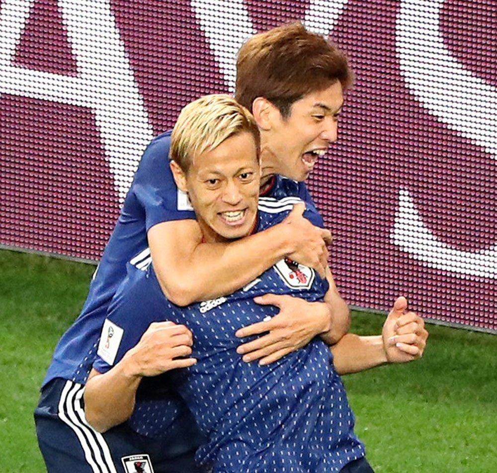 同点ゴールを決めた本田の表情。後半の時間は残りわずかです。(写真=ロイター) #worldcup2018_nikkei  【ビジュアルブログ】 https://t.co/U4JGWRtnaw 【試合詳細】 https://t.co/FBVp8eCjRy