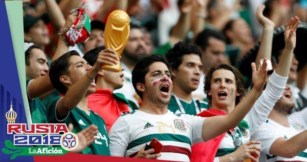 ▶VIDEO:  ���� Mexicanos recogen basura del Rostov Arena tras el encuentro de  ����⚽���� https://t.co/3Im9bhQQcx https://t.co/P1vl5vhtVf