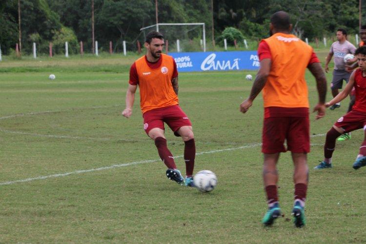 Apesar da queda no número de gols sofridos, Márcio Goiano segue dando atenção à defesa https://t.co/EVpMffgmp1