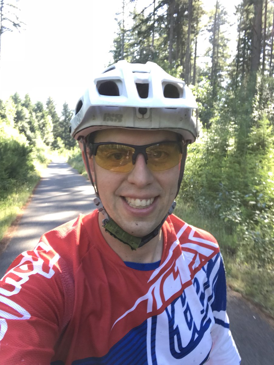 Prechurch #dirtchurch was great, if short on #singletrack   #startthedaywithdirt #ridegg #trailpistol<br>http://pic.twitter.com/5y4Gd1Iq22
