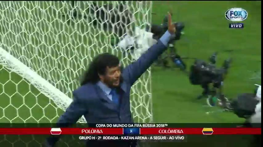🇵🇱🇨🇴 Você bobeou e o Higuita fez mais uma defesa com os pés! Baita história! #FOXnaRússia #JogaOqueSabe