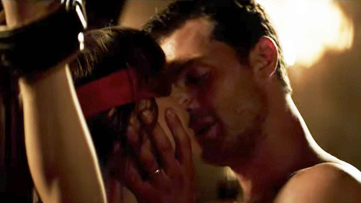 The #FiftyShadesFreed cast reveal the DELETED scenes you WON'T see in cinemas 😘 >>> https://t.co/PI4Vdoa1gz