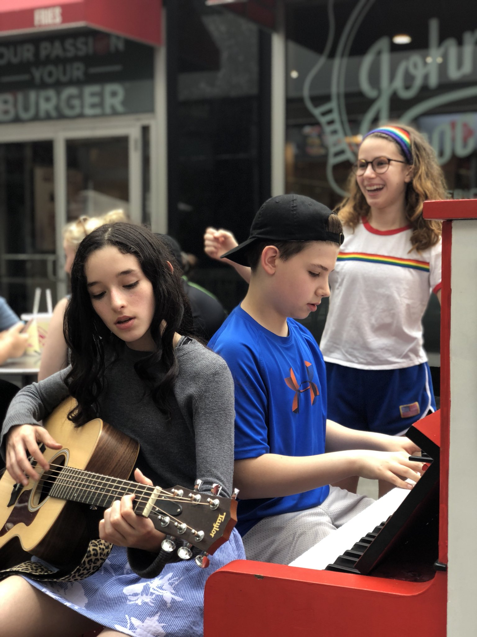 7b33e491b926 Broadway Kids Jam on Twitter: