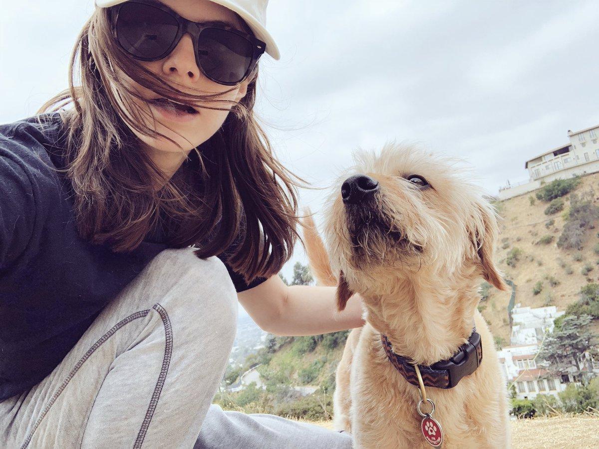 Alexandra Daddario  - 🐶 twitter @AADaddario