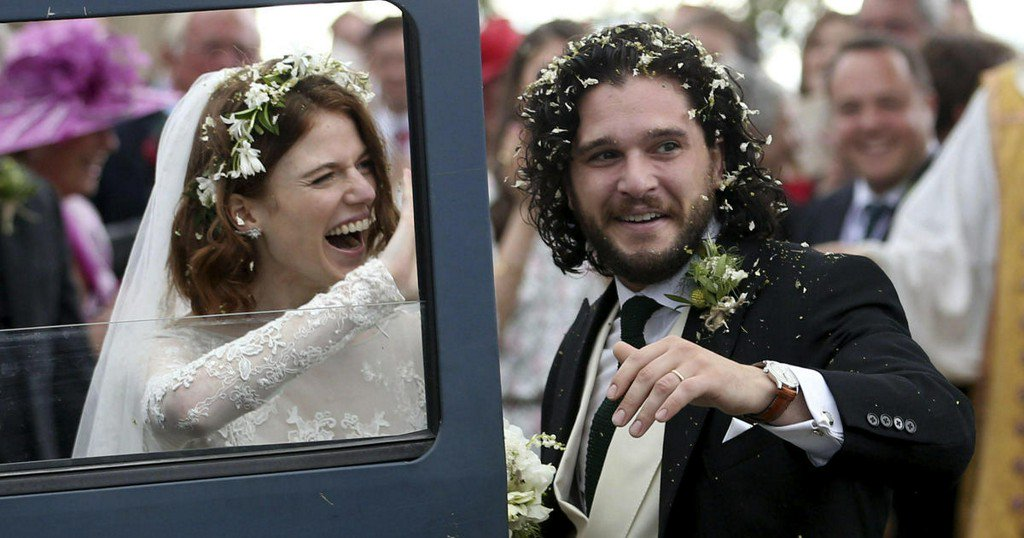 'Game of Thrones' co-stars Kit Harington, Rose Leslie married in Scotland https://t.co/paTWfblAdO