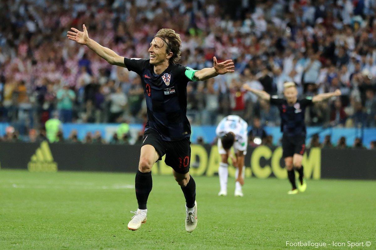 [#CM2018] Lovren💬 : 'Si Modrić était allemand ou espagnol, il serait toujours parmi les trois meilleurs joueurs au monde et il pourrait remporter le Ballon d'Or. Mais étant donné que la Croatie est un plus petit pays, il reçoit moins d'attention.'