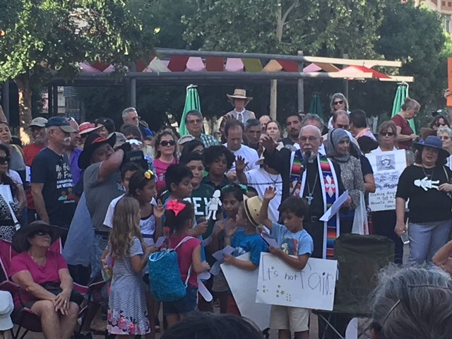 San Antonians gathered this evening in a Vigil for Humanity to express opposition to the separation of families seeking asylum on our border, and to offer prayers for their reunification. #FamiliesBelongTogether<br>http://pic.twitter.com/O9RBJW6Hym