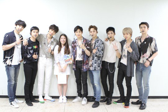&quot;EXO was able to make me overcome the difficult surgery. I&#39;m so happy to be able to express my gratitude in person&quot;   Michelle, a cancer patient who attended Lotte Concert from Cali.  Its about giving positive vibes and strength through music. EXO must be so proud. @weareoneEXO <br>http://pic.twitter.com/7UhNN6LDOa