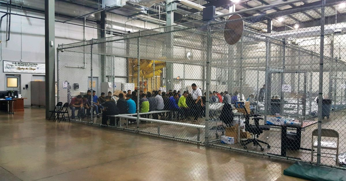 Temper tantrums, post-traumatic stress, depression: How family separation devastates migrant kids  http:// bit.ly/2MgE2FH  &nbsp;  <br>http://pic.twitter.com/UlnC12vD9t