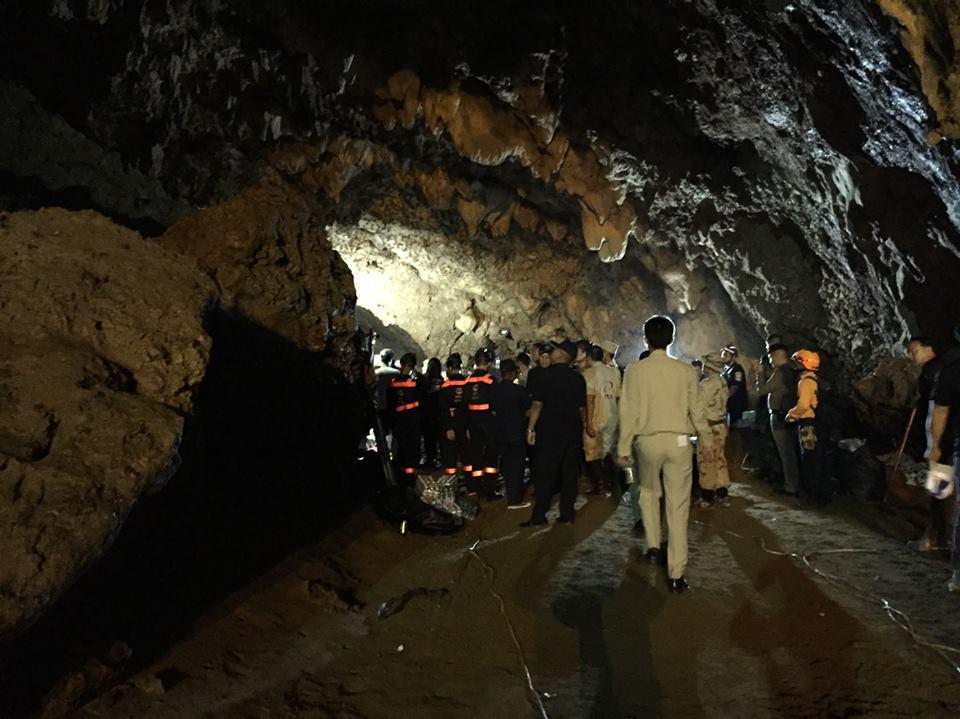 """ThaiPBS on Twitter: """"(25-6-61) เกาะติดทีมช่วยเหลือผู้สูญหาย 13 คน ..."""