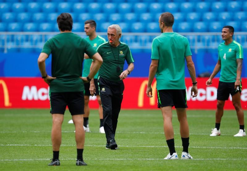 Australia seek reward for going Dutch with Van Marwijk https://t.co/aA9EHkkk32