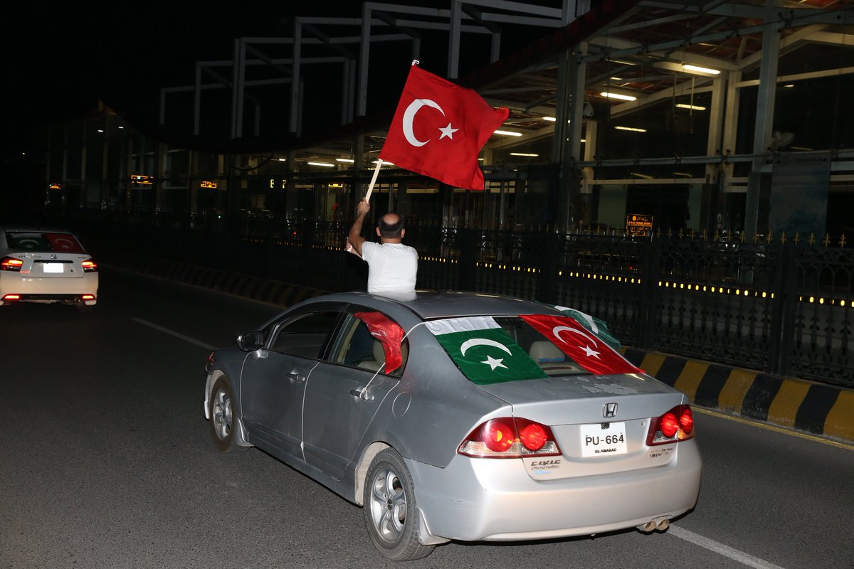 Supporters of Turkish President and the leader of the Justice and Development Party (AK Party) Recep Tayyip Erdogan celebrate as results shown Erdogan leading the presidential election at #Islamabad , #Pakistan #TurkeyElections #TurkeyElection2018 #Erdogan #Seçim2018<br>http://pic.twitter.com/qzzOvfwr07
