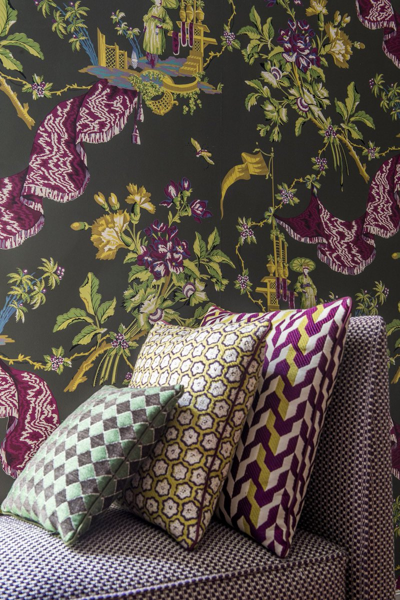 "Hankeou wallpaper from Le Manach first wallpaper collection ""Heritage"", inspired by the textile archives... #lemanach #heritage #archives #pierrefrey ..."