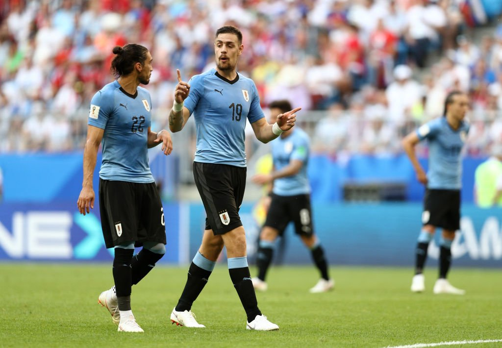 Uruguay golea 3-0 a Rusia
