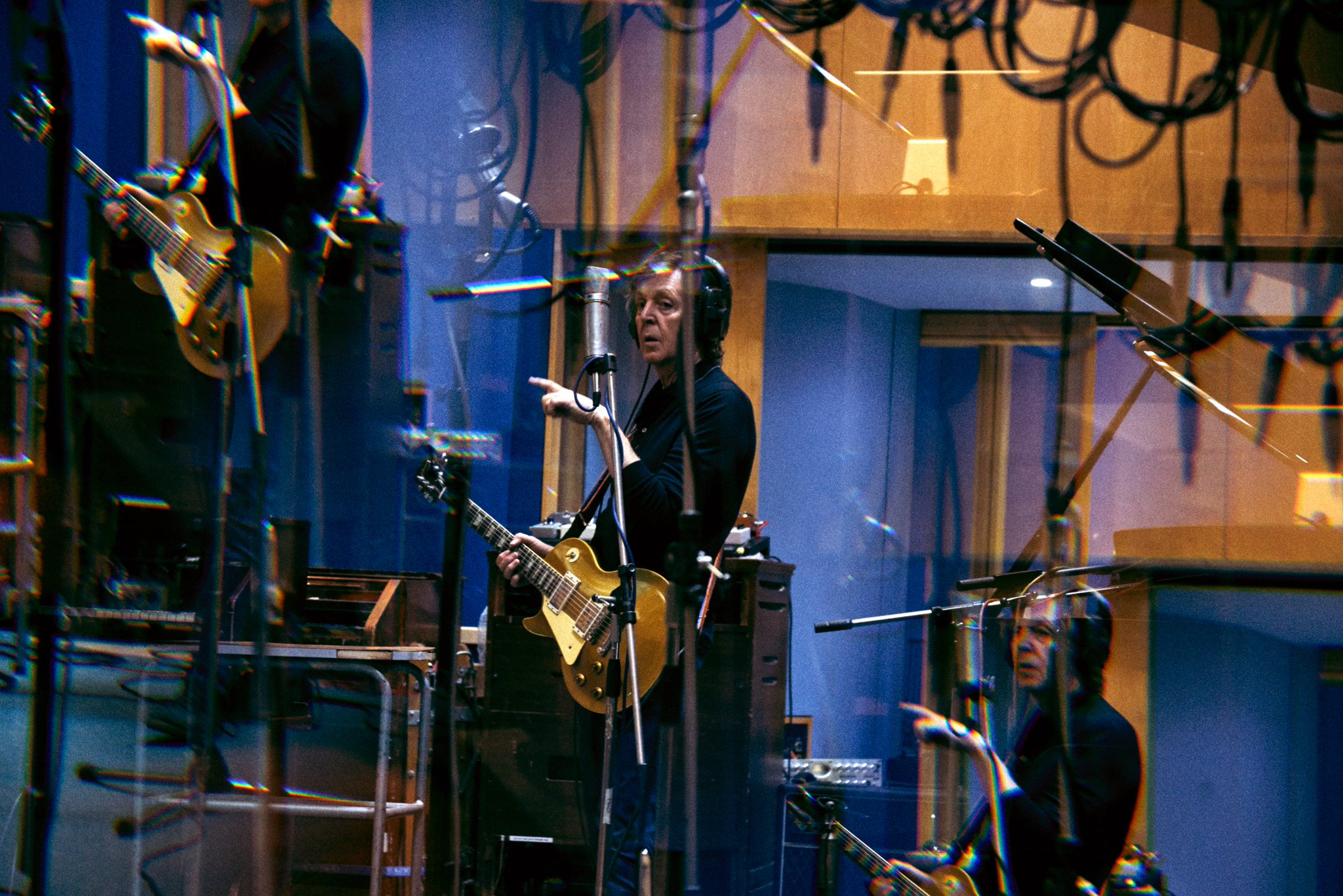 Paul during the recording of #EgyptStation @AbbeyRoad, November 2017 https://t.co/RWEtRQu5qf