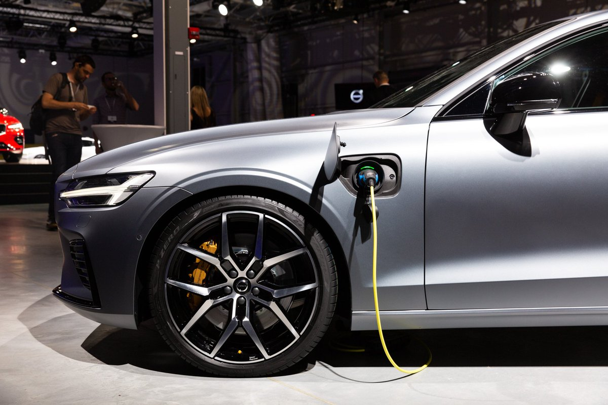 Green Car Reports >> Green Car Reports On Twitter Volvo S Electrification Push