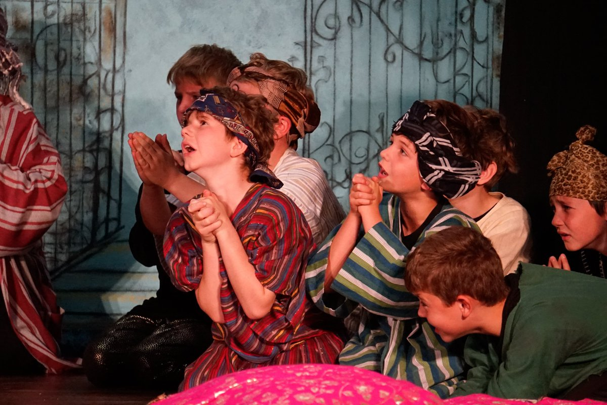 What a show! Our Year 4s gave an excellent performance of Scheherazade - a few photo highlights #music #drama https://t.co/MAkctw7fAA