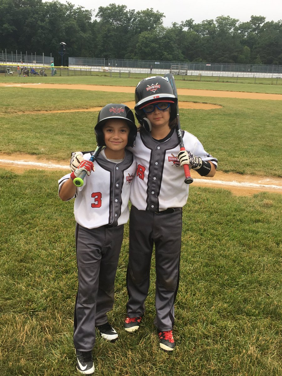 Batterymates Ayden Rivera and Sandro Salomone before 6-5 quarterfinal win. Howell, NJ. #PitchersandCatchers <br>http://pic.twitter.com/oSozNAHXSd