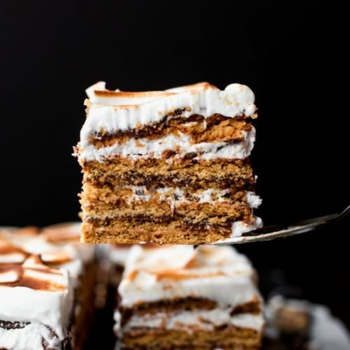 Recipes:Ganache: No-Bake S'mores Cake>You can make this No-Bake >> https://t.co/lK26j8TUkI #recipes https://t.co/H8G0dYmyCQ