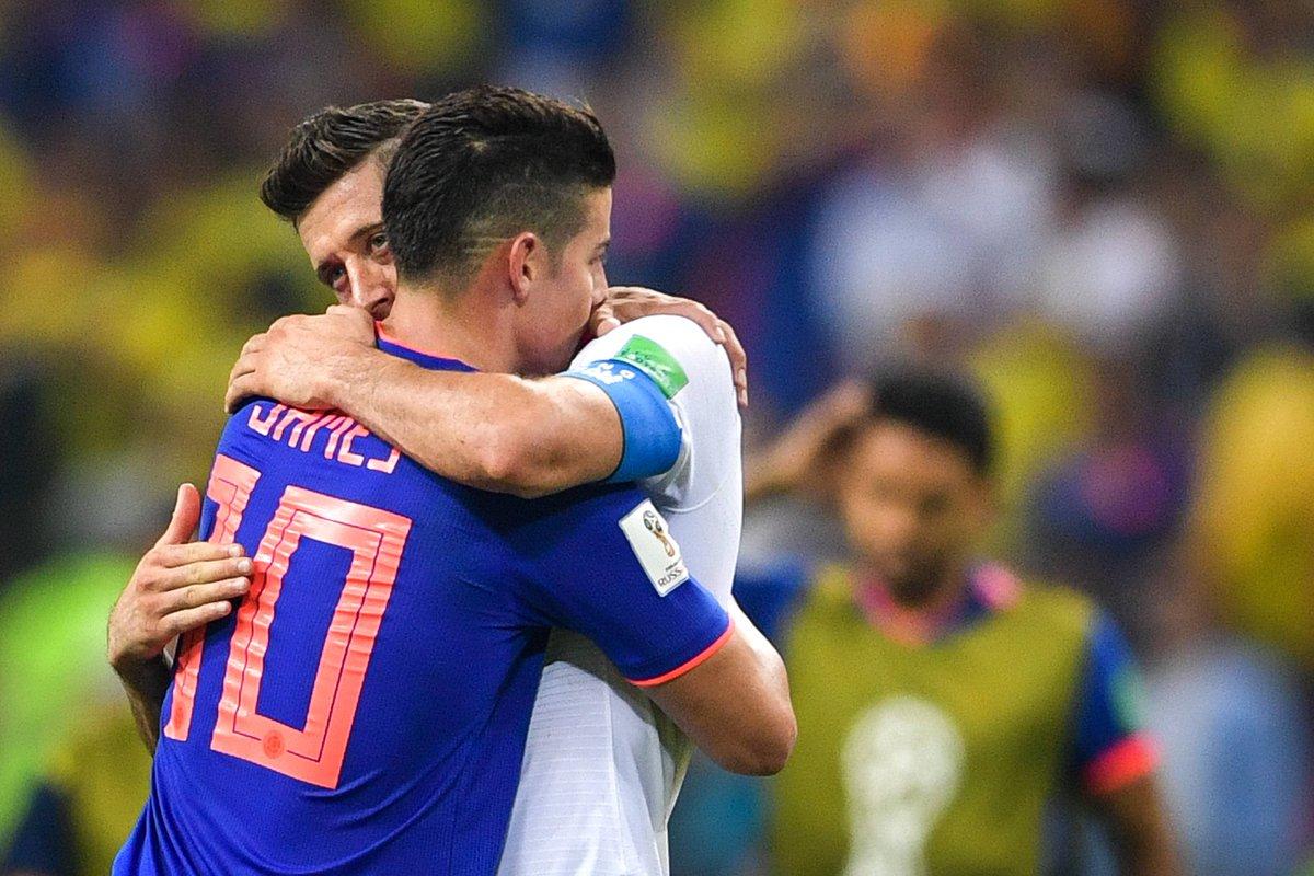 """💬 """"Das Glück, das wir empfinden, kann man mit nichts vergleichen.""""  @jamesdrodriguez überglücklich nach Sieg gegen Polen ➡ https://t.co/realRQNg6h #WorldCup"""