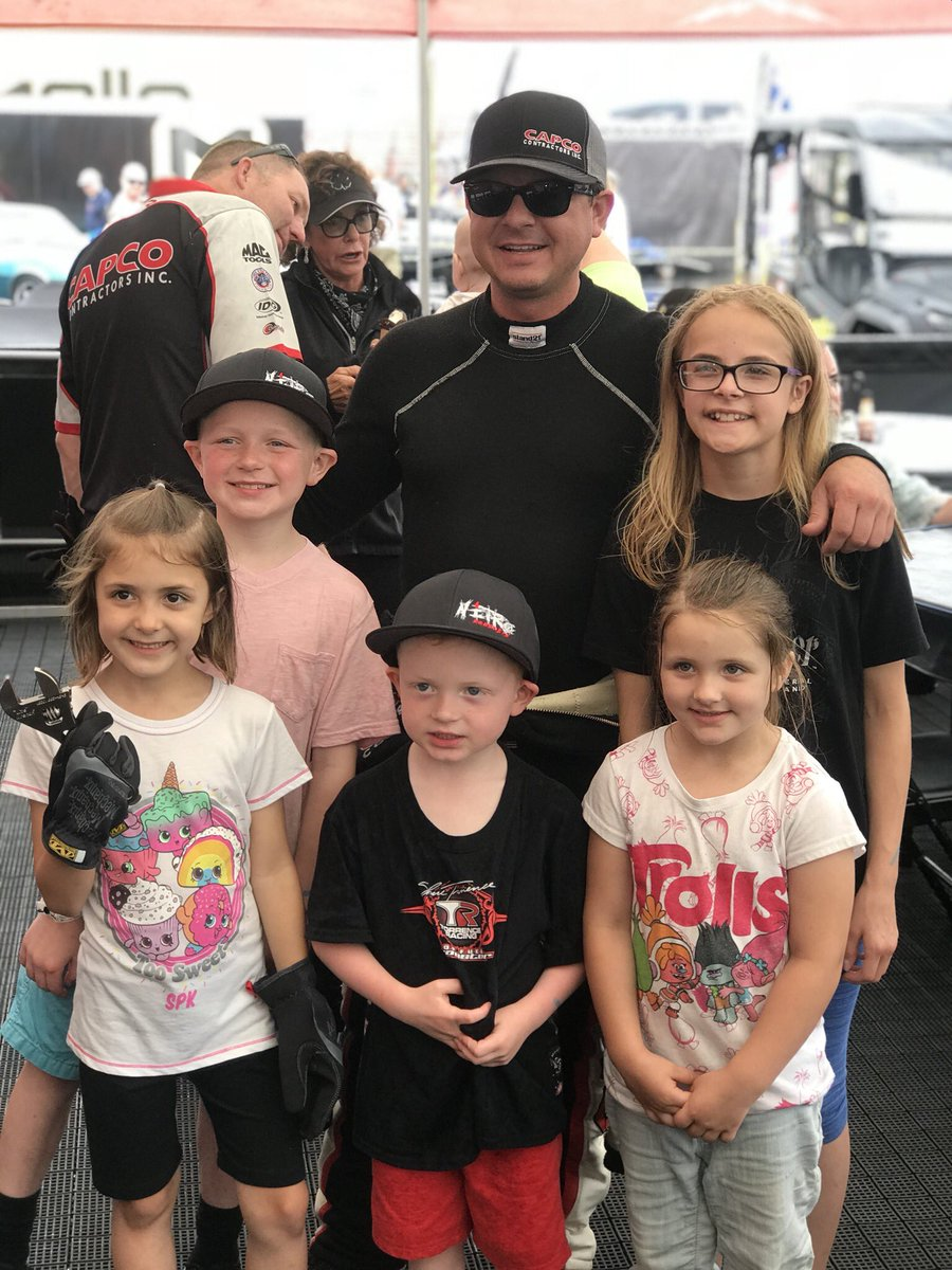 The CAPCO boys have been on the road for 4 weeks straight. It was great to get to spend the weekend at the track with their biggest fans. Thank you families for allowing them to be apart of the BEST team there is! We look to make you proud every weekend! #MondayMotovation <br>http://pic.twitter.com/afN9ExZRGo