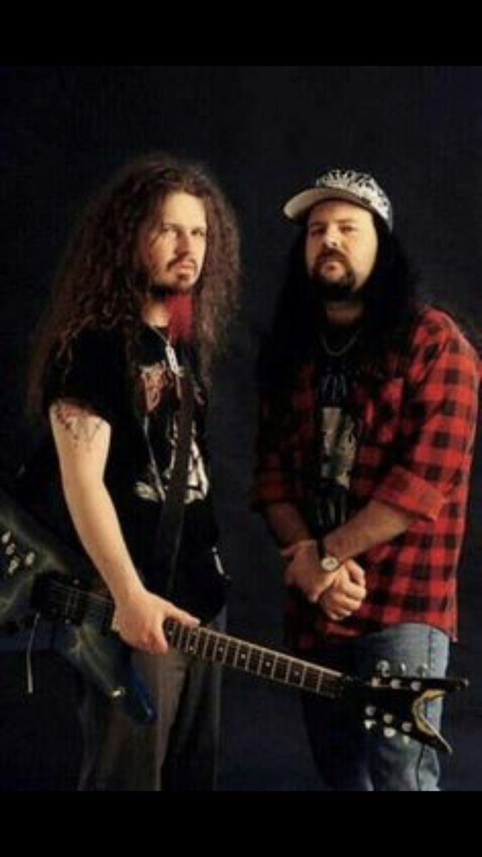 GOD BLESS ST.VINNIE &amp; ST.DIME - 2 GAME CHANGING/HALL OF FAME MUSICIANS - But,MORE IMPORTANTLY- 2 HALL OF FAME HUMAN BEINGS - The Lives You Touched &amp; Your Legacy Shall Forever Make The World a Better Place - tBLSt SDMF <br>http://pic.twitter.com/xv1M7a4dOz