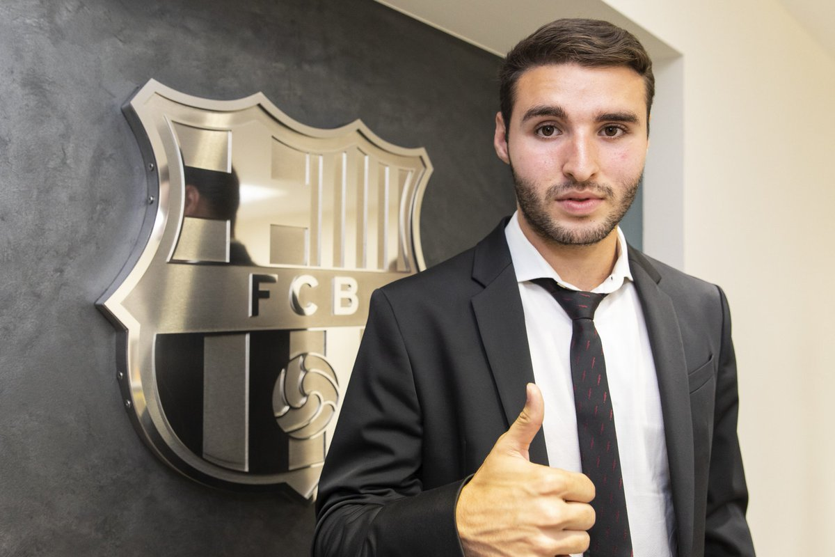 a8a047372de Barcelona B player Abel Ruiz has renewed his contract at the Catalan club  for 3+2 seasons. His release clause will bet set at €100m.pic.twitter.com   ...
