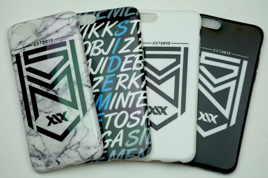 COMPETITION TIME!   For your chance to win an unreleased Crest Logo Key Ring AND a brand new Sidemen Phone Case, simply follow us and RT this tweet. There will be 4 winners chosen at random.   Good luck!  <br>http://pic.twitter.com/NJAxugGzMY