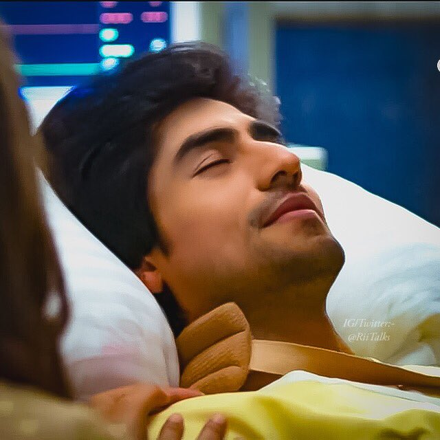 I can stare @ChopdaHarshad whole day  (P.s- I can write 1000s times more that how perfect his jawline is)   #Bepannaah<br>http://pic.twitter.com/qtA7vclzlY