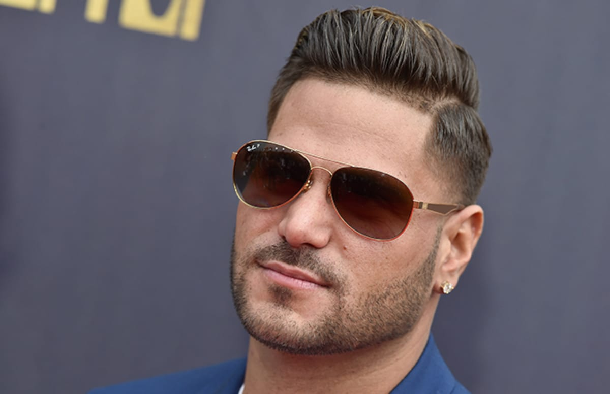 'Jersey Shore' star Ronnie's girlfriend arrested after allegedly dragging him with car https://t.co/jk5zZ3MdE9