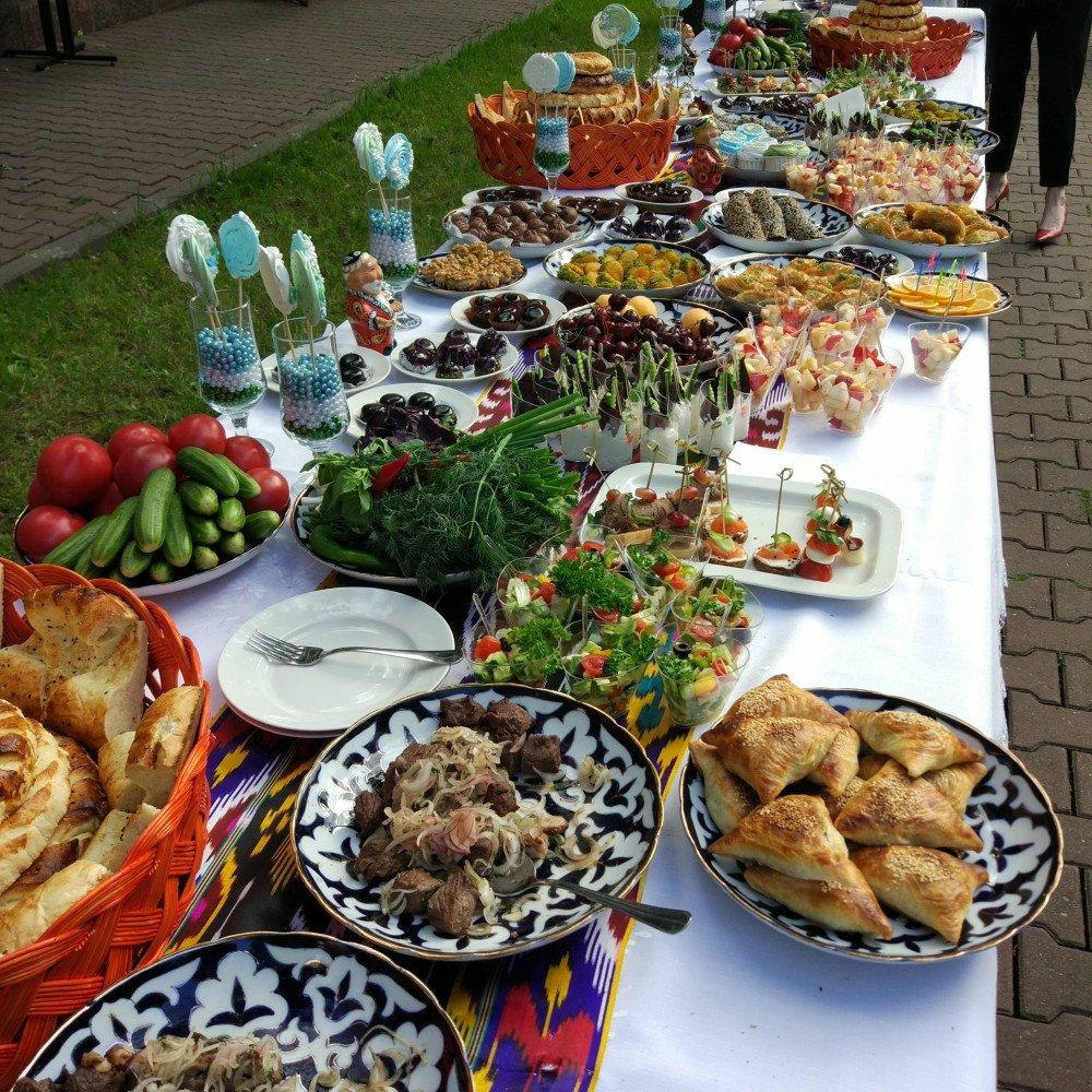 они колеблются узбекский стол фото местные