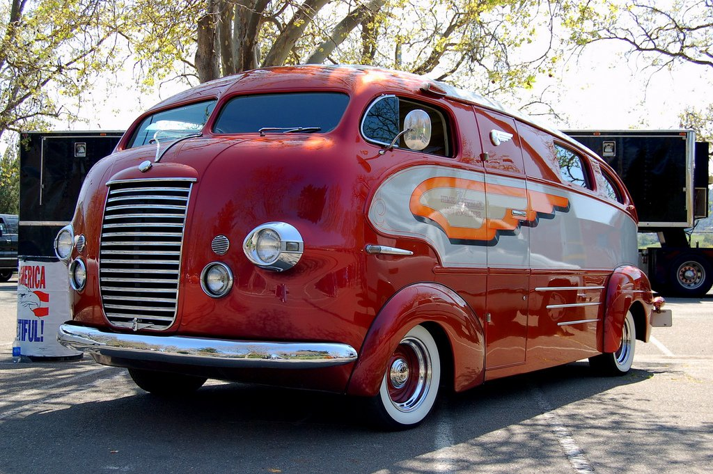 #transportationtuesday the 1937 Zeppelin Roadliner, named by Art Himsl who purchased the vehicle and restored it in the 1960s. Photo by Dave Parker, Flickr. This is a San Francisco prototype house car. #RV #vintage #artdeco #vehicle #vintagecar