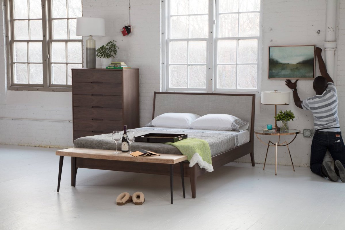 Delicieux A Lot Of People These Days Are Thinking About Downsizing, Minimizing, And  Having Less. Read Our Blog To Help Maximize Your Bedroom Space And Avoid  Clutter. ...