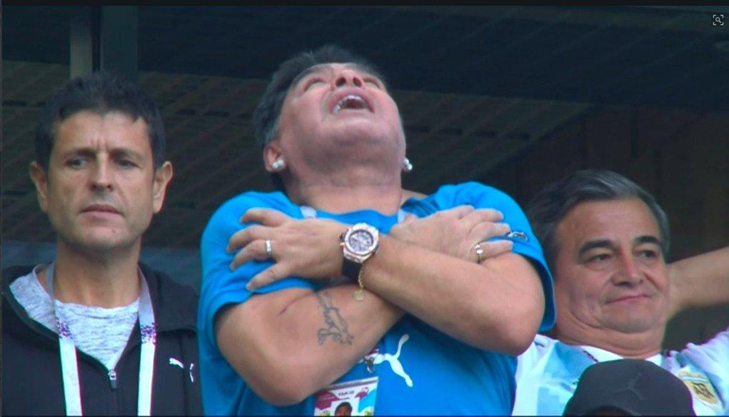 Марадона остается Марадоной. Как легенда футбола праздновал второй гол Аргентины - изображение 1