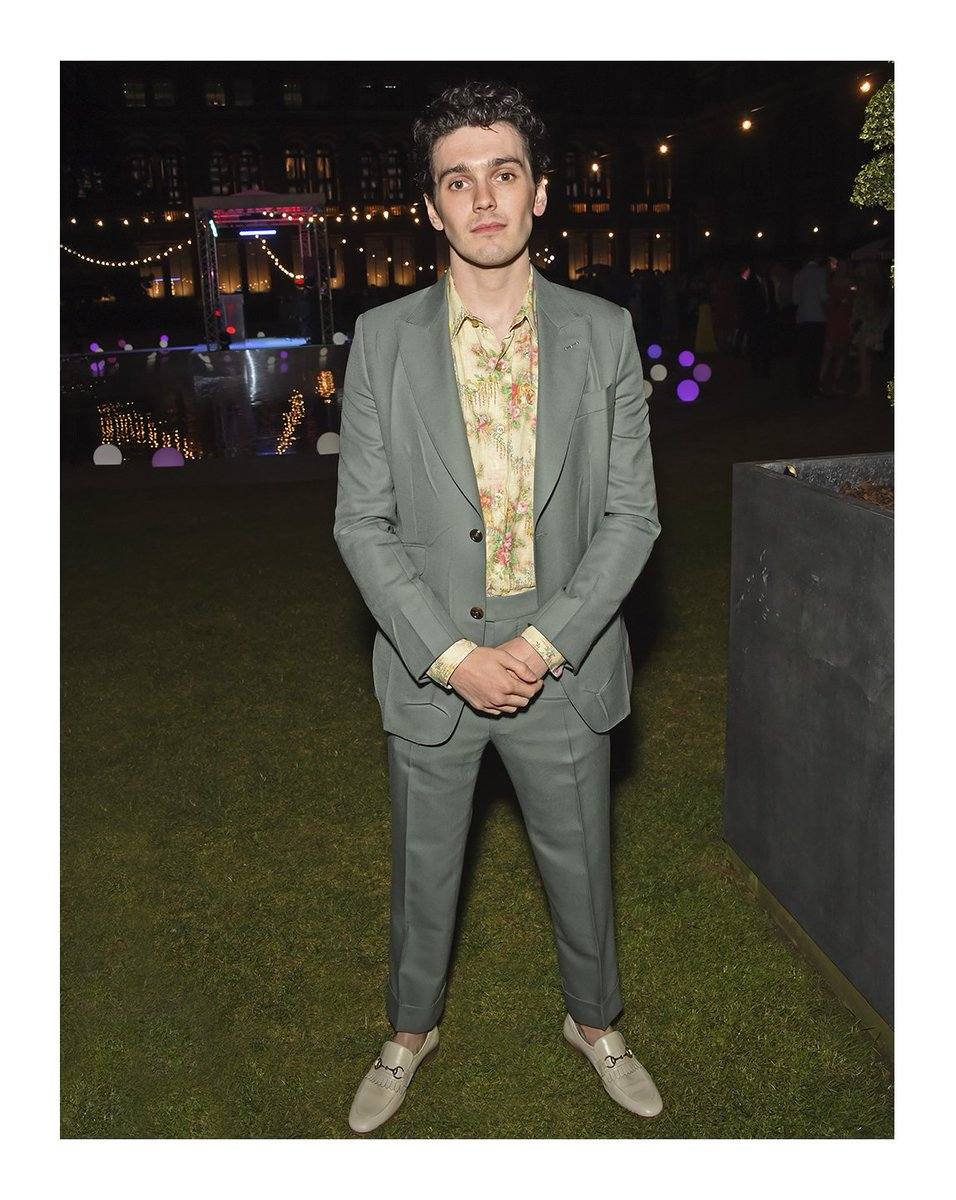 87e71ee1ad8 () wore a heritage suit with a floral printed linen vintage shirt and leather  fringe horsebit loafers to the summer party in london. - scoopnest.com